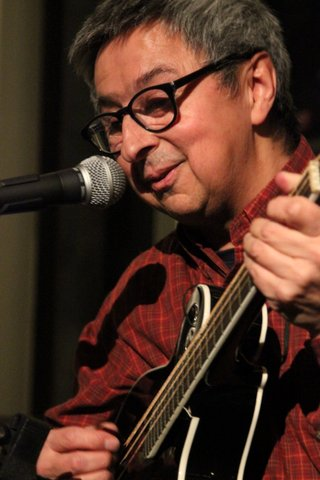 House concert with Ernie Martinez