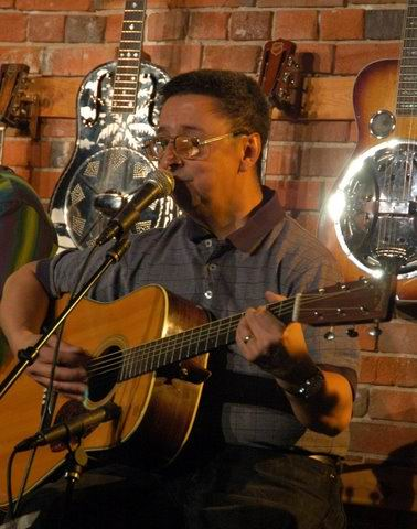 America's Soul Live at Olde Town Pickin'                           Parlor: Ernie Martinez: Bands, Singers,                           Songwriters / Composers, Solo Performers,                           Sidemen, Instrumentalists, Performers,                           Entertainers, Musicians
