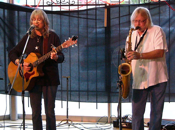 Sandy Reay with Jeff Ingram at Acoustic Music Revival